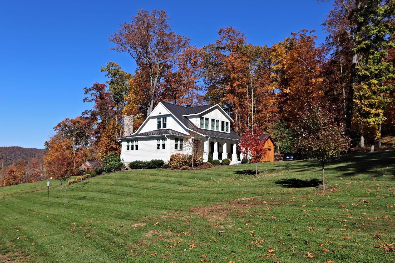Warm Springs Farm features