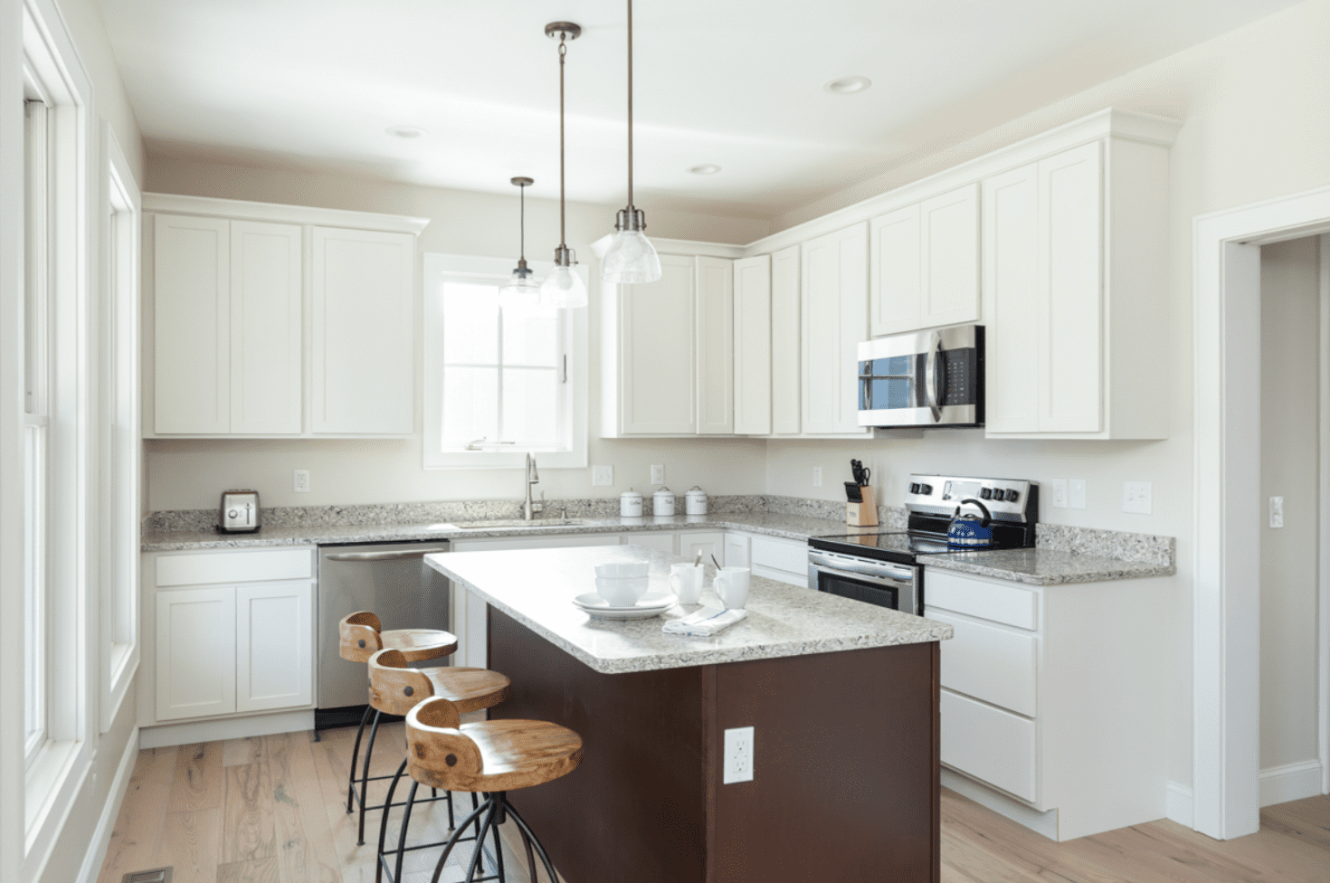kitchen-white-hardwood-floor-madison-cottage-warm-springs-va