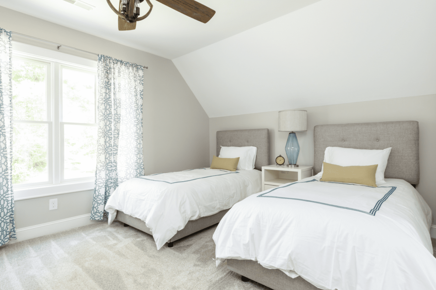 bedroom-light-carpet-madison-cottage-warm-springs-va